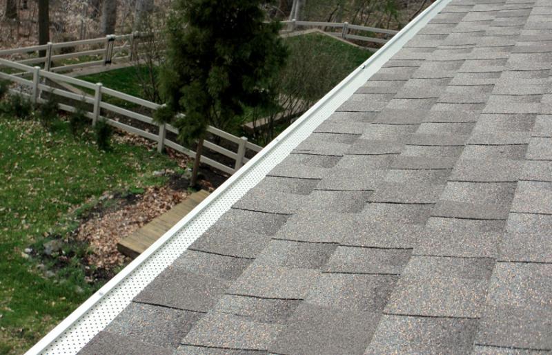 Rain Gutters: 5 Fall Maintenance & Repair Tips